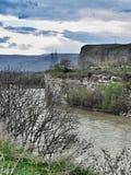 Río Kuban en la república de Karachay-Cherkess Foto de archivo