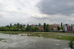 Río Maritsa en la ciudad de Plovdiv Fotografía de archivo