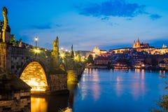 Río Moldava, Charles Bridge Prague Czech Republic Imagen de archivo libre de regalías