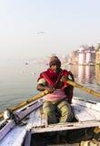 Ro på Gangesen Royaltyfri Bild