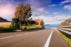 Road along the sea Royalty Free Stock Photo
