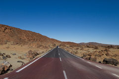 Road in barren land Royalty Free Stock Images