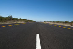 Road with blue sky above Royalty Free Stock Photos