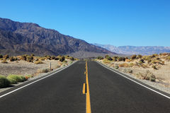 The road in the California desert Stock Photos