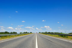 Road with cars going in the opposite direction Royalty Free Stock Photography
