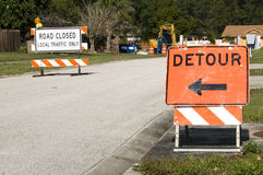 Road Closed. Signage due to construction ahead Royalty Free Stock Photos