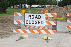 Road Closed sign. In front of a dirt pile Stock Photos