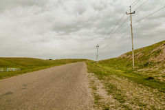 Road in countryside. Paved road in Iraqi countryside between Kirkuk and Erbil city Royalty Free Stock Photography