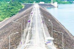 road on dam Royalty Free Stock Photos