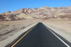 Road through Death Valley National Park Royalty Free Stock Photos