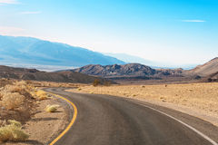 The road in death valley Stock Photos