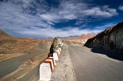 Road going across Himalaya mountains Royalty Free Stock Photo