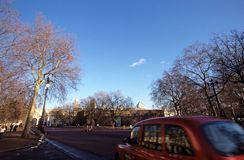 Road leading to Admiralty Arch, London Royalty Free Stock Photos