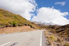 Road leading up volcano Ruapehu NZ Tongariro NP Stock Photo