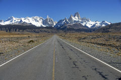 THE ROAD THAT LEADS TO EL CHALTEN Stock Photos
