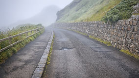 Road in mist Royalty Free Stock Photography