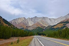 Road in mountain valley Royalty Free Stock Photo