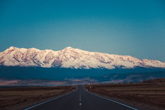 Road in the mountains. Chui tract, Kuray Mountains Royalty Free Stock Photos