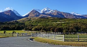 On the road, mountains in New Zealand Stock Photos