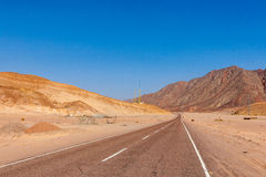 Road and Mountains in the Sinai desert Royalty Free Stock Photography
