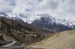 A road among mountains to Nubra valley, Leh Royalty Free Stock Photos