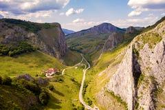 Road through mountains Royalty Free Stock Photos