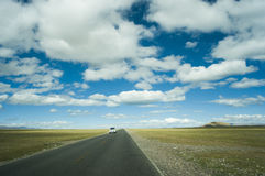 Road on the plateau Royalty Free Stock Photo