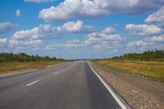 Road sent to distance to horizon Royalty Free Stock Photo