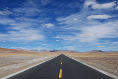 Road in Tibet. The road  from  Lhasa to West-Tibet's Ali  district, or China's 219 national road Stock Photo