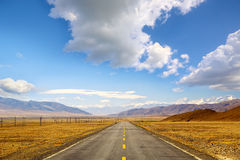 Road through Tibet Royalty Free Stock Photography
