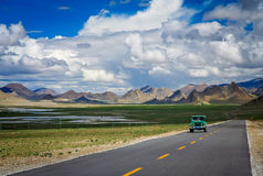 Road through the Tibetan plateau Stock Images