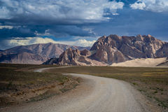 Road through the Tibetan plateau Royalty Free Stock Photo