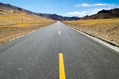 The road on the Tibetan Plateau Stock Photography