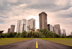 Road to city Royalty Free Stock Images