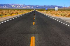 Road to Death Valley Royalty Free Stock Images