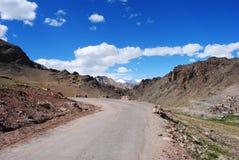 Road to a Himalayan peak Royalty Free Stock Photos