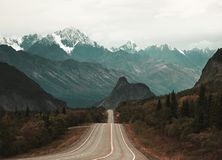 The road to Lions Head in Alaska is an epic scene