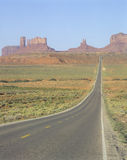 Road to Monument Valley, Utah/Arizona border Royalty Free Stock Photos