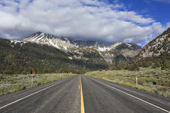 Road to the mountains in California Stock Photos
