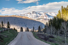 Road to the mountains Royalty Free Stock Images