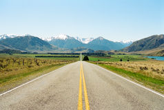 Road to mountains, New Zealand Royalty Free Stock Image