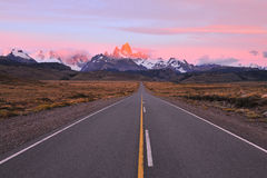 Road to patagonian mountains Royalty Free Stock Photography