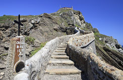 Road to San Juan de Gaztelugatxe sanctuary Royalty Free Stock Photos