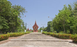 Road To The Thai Temple Church.Ubonratchatani Royalty Free Stock Images