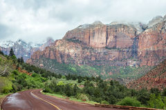 The road through the valley of Zion National Park Stock Photo