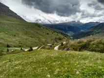 Roadbikers na dolomitów halnych roadpass zjazdowych Zdjęcie Royalty Free
