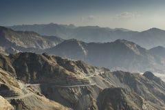 RoadMountain-Durchlauf, gefährlicher Durchlauf lizenzfreie stockfotos