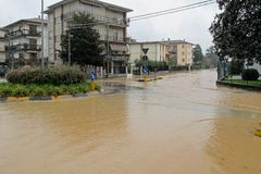 Roads and streets of the city submerged by the mud of the flood Stock Photography