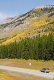 Roadside mountains and forests Royalty Free Stock Photos