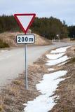 Roadsign fedrunek po 200 metrów naprzód jest na poboczu zdjęcie stock